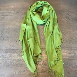Accessories - Green Pashmina Scarf